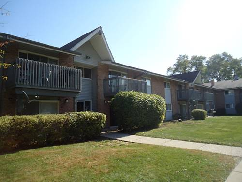 16W585 Mockingbird Unit 207, Willowbrook, IL 60527