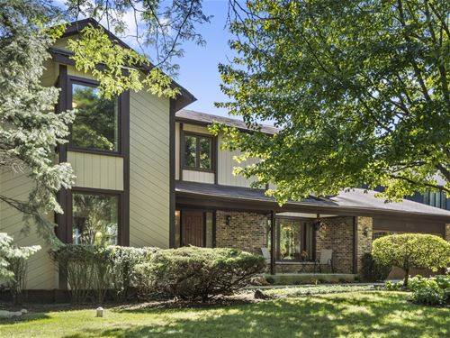 107 W St Andrews, Deerfield, IL 60015