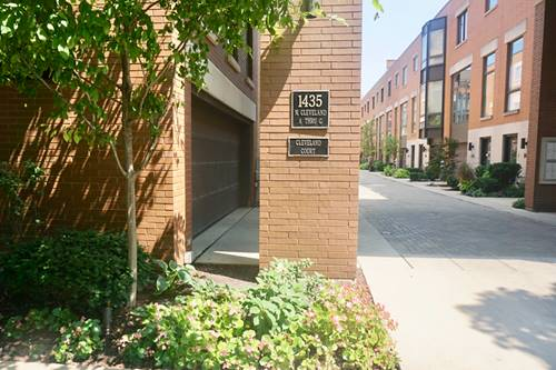 1435 N Cleveland Unit B, Chicago, IL 60610 Old Town