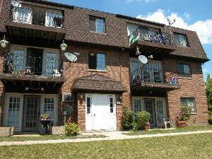 2304 Century Point Unit F, Glendale Heights, IL 60139
