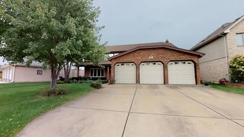 136 N Oak Mill, Addison, IL 60101