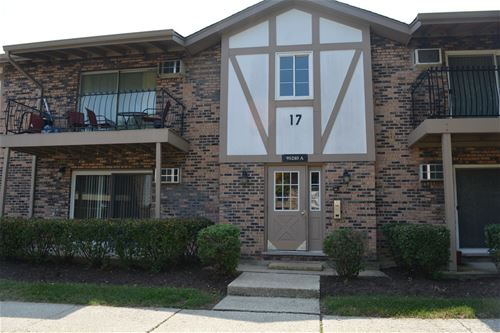 9S240 Lake Unit 101, Willowbrook, IL 60527