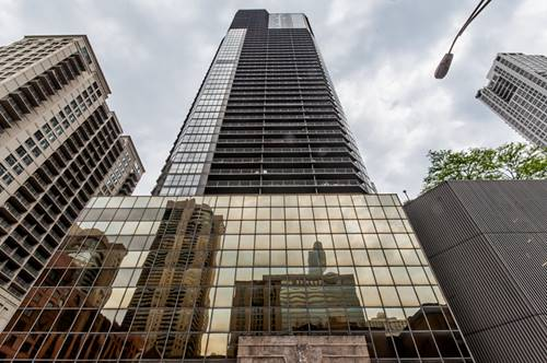 10 E Ontario Unit 2105, Chicago, IL 60611 River North