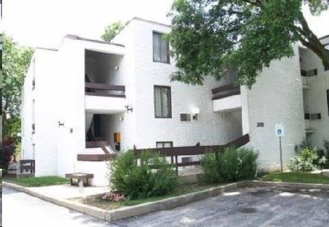 306 W Miner Unit 1A, Arlington Heights, IL 60005