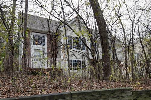 325 W Treehouse, Round Lake, IL 60073