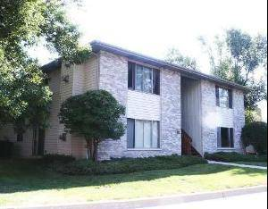 460 Westwood Unit D, Crystal Lake, IL 60014