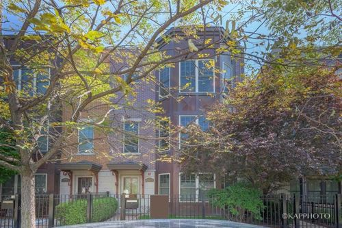 3447 N Whipple, Chicago, IL 60618