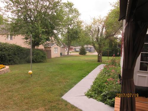 134 Holly, Darien, IL 60561