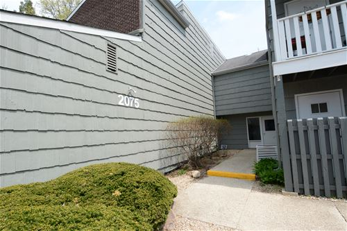 2075 Creekside Unit 2-2, Wheaton, IL 60187