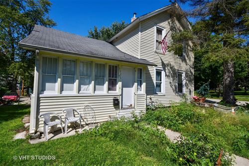 302 Barber, West Chicago, IL 60185