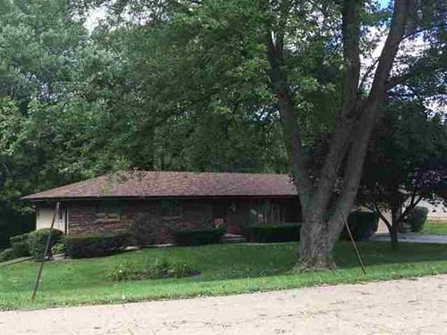 6573 Halverson, Rockford, IL 61109