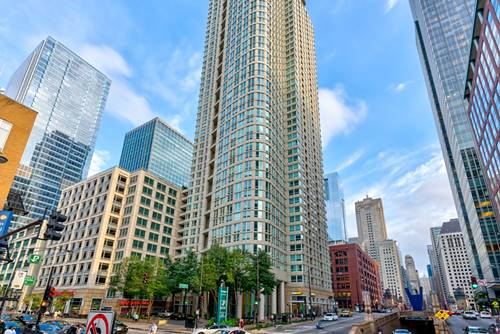 345 N La Salle Unit 4302, Chicago, IL 60654 River North