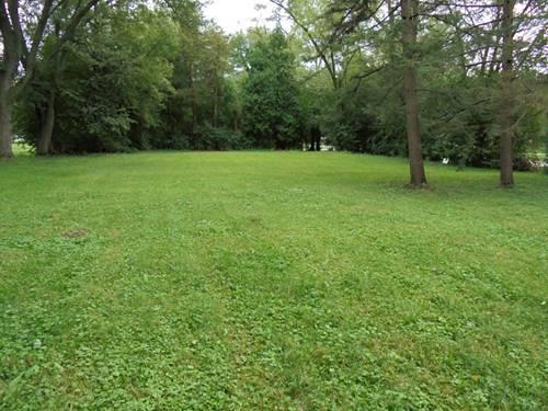 1N181 Woods, Carol Stream, IL 60188