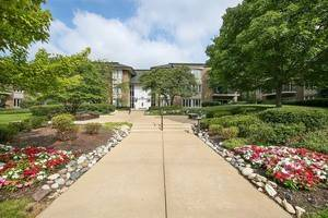 1 Oak Brook Club Unit A312, Oak Brook, IL 60523