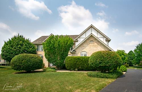 305 Cobblestone, Lake In The Hills, IL 60156