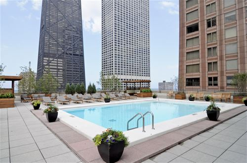 777 N Michigan Unit 1905, Chicago, IL 60611 Streeterville