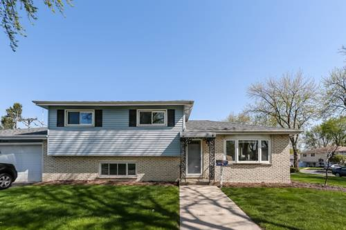 564 W Park, Addison, IL 60101