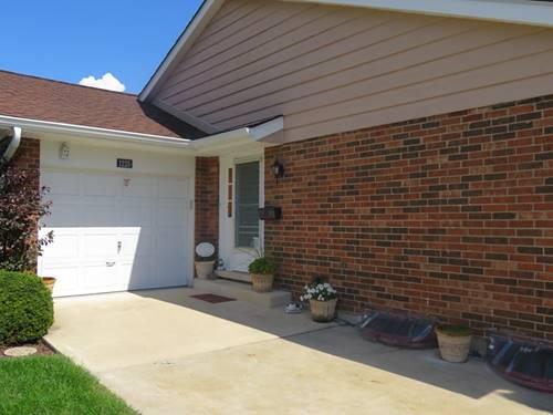 1225 Borough, Wheaton, IL 60189