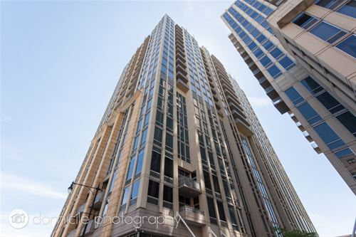700 N Larrabee Unit 1511, Chicago, IL 60654 River North