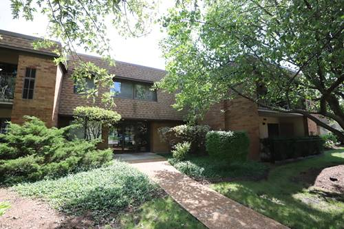 110 Old Oak Unit 137, Buffalo Grove, IL 60089