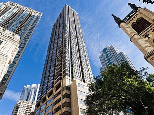 30 E Huron Unit 1010, Chicago, IL 60611