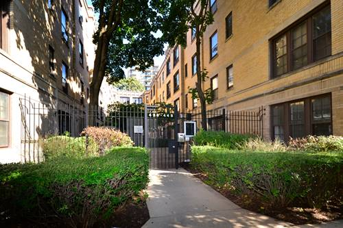 448 W Surf Unit 3A, Chicago, IL 60657 Lakeview