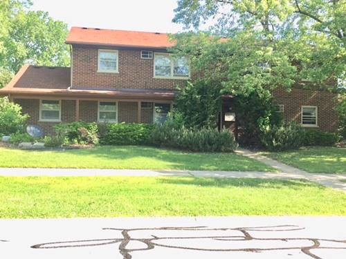 133 S Whispering Hills Unit A, Naperville, IL 60540