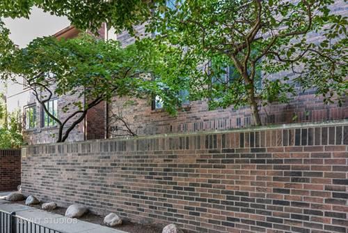 434 W Briar Unit 8, Chicago, IL 60657 Lakeview