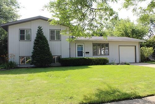 893 Cambridge, Crystal Lake, IL 60014