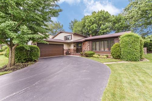 2914 N Kennicott, Arlington Heights, IL 60004