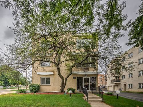 8152 Elmwood Unit 101, Skokie, IL 60077