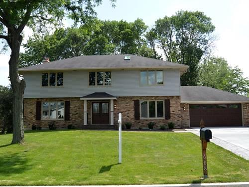 688 Avenue Latour, Oak Brook, IL 60523
