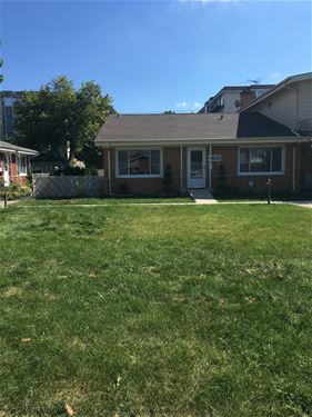 8635 N National, Niles, IL 60714
