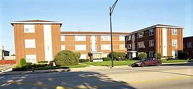7932 S Pulaski Unit 202, Chicago, IL 60652