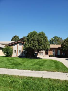 1824 W Woodland, Addison, IL 60101