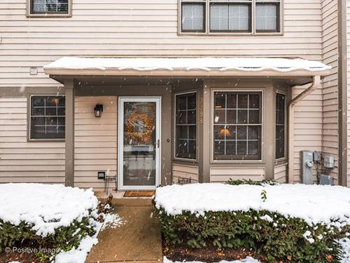 3298 N Carriageway, Arlington Heights, IL 60004
