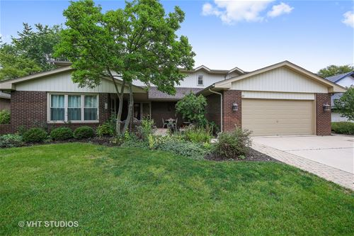 142 Chaucer, Willowbrook, IL 60527
