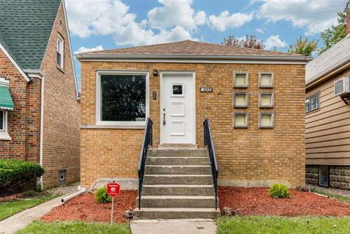 2924 N Mobile, Chicago, IL 60634