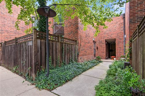 2147 N Lincoln, Chicago, IL 60614 Lincoln Park