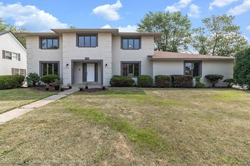 7225 Clarendon Hills, Darien, IL 60561