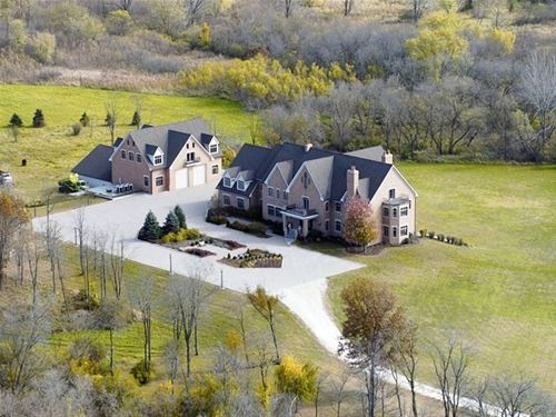 5N719 Castle, St. Charles, IL 60175