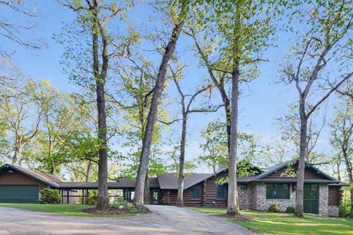 4452 W Edgewood, Dixon, IL 61021