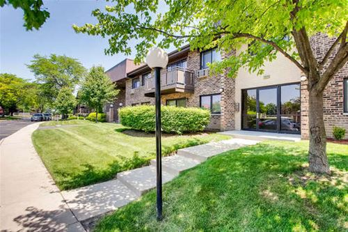 2634 N Windsor Unit 102, Arlington Heights, IL 60004