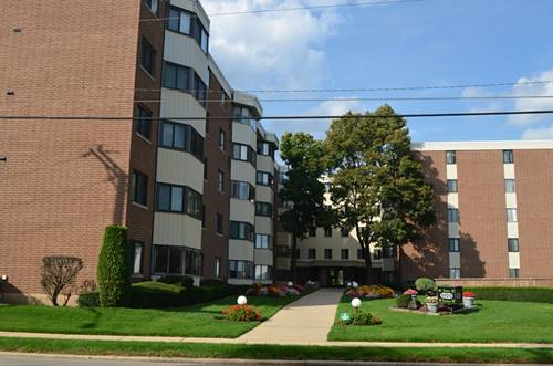 5500 Lincoln Unit 206W, Morton Grove, IL 60053