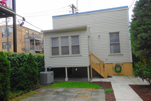 5142 N Clark Unit CH, Chicago, IL 60640 Andersonville