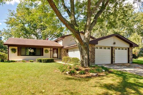 863 Camelot, Crystal Lake, IL 60014