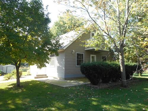 904 Sarah, Lake Holiday, IL 60548