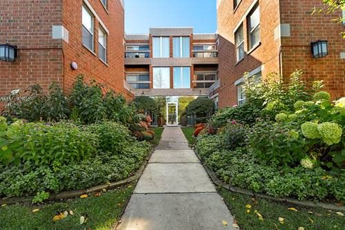 1925 Lake Unit 212, Wilmette, IL 60091