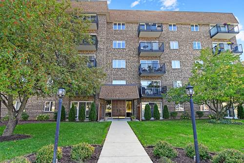 907 Curtiss Unit 206, Downers Grove, IL 60515