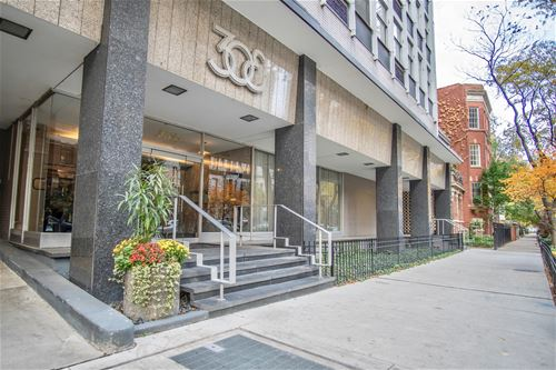 30 E Elm Unit 5E, Chicago, IL 60611 Gold Coast
